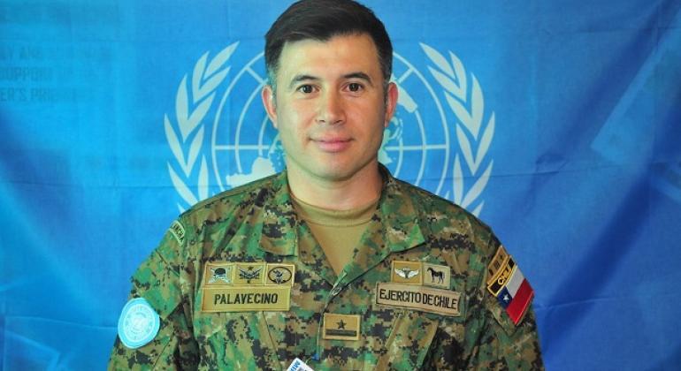 El Mayor Fernando Palavecino del ejército chileno, analista de inteligencia de la MINUSTAH. Foto: MINUSTAH