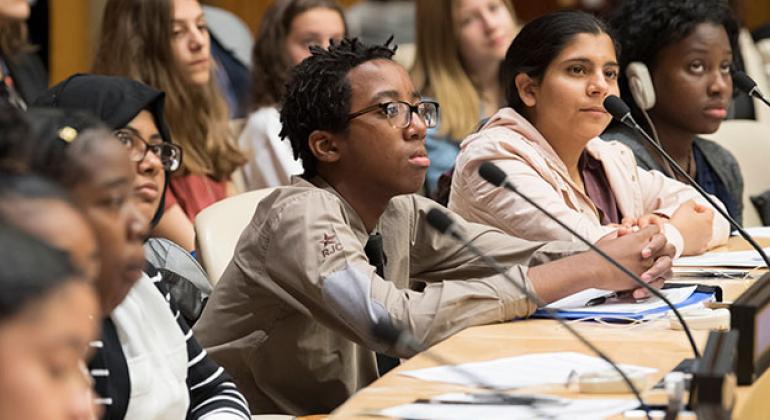 El Programa de divulgación sobre el holocausto de la ONU reunió a 500 estudiantes de secundaria en el 70 aniversario de El Diario de Ana Frank. Foto: ONU / Eskinder Debebe