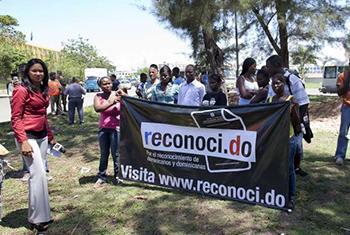 Protesta pacífica en Santo Domingo en relación al problema de la apatridia. Foto: ACNUR / J. Tanner.