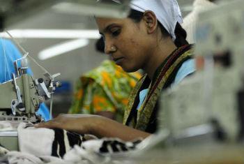 Políticas para valorizar el salario mínimo. Foto: OIT