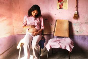 Cada día mueren unas 16 mujeres en América Latina por causas relacionadas con el parto o el embarazo. Foto: OPS