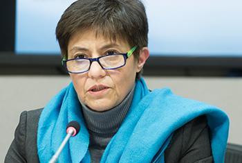 La Dra. Blanca Jiménez-Cisneros, Directora del Programa Hidrológico Internacional de la UNESCO durante un encuentro con los medios de comunicación en Nueva York. Foto ONU/ Mark garten.