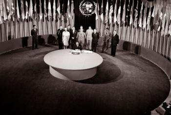 Frima de la Carta fundacional de la ONU, en San Francisco, en 1945. Foto de archivo: ONU/Yould