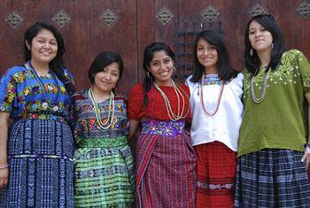 De las 800 lenguas en peligro en las Américas, casi todas son expresiones de culturas indígenas. Foto: ONU.