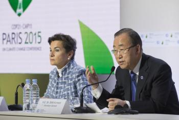 El Secretario General en conferencia de prensa hoy durante la COP21. Foto ONU/Eskinder Debebe.