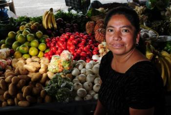 Mercado en la Ciudad de Guatemala. Foto: Banco Mundial/ Maria Fleischmann.