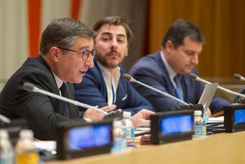Los hermanos Roca (Joan izq., Jordi, centro y Josep dcha.)en la sede de Naciones Unidas en Nueva York. Foto ONU: Loey Felipe.