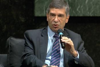 Ministro colombiano Rafael Pardo durante su participación en el panel por la celebración de los 50 años del PNUD. Captura de video/Radio ONU