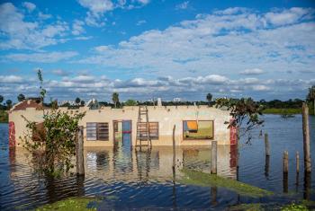 Imagen de archivo de las inundaciones en la comunidad del Chaco, ubicada a unos 50 kilómetros de Asunción, la capital de Paraguay. Foto UNICEF/Martin Crespo