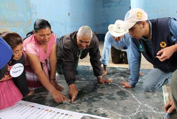 Ejercicio de Mapeo Participativo Comunitario. Foto: CARE Guatemala/Adolfo Ochoa.