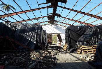 Impacto sobre almacén en Baracoa del huracán Matthew. Octubre de 2016. Foto PMA/Cuba.