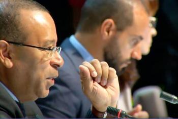 El Embajador Benedicto Fonseca modera el debate sobre Internet y la Agenda 2030. Foto: IGF/Janna Quitney Anderson