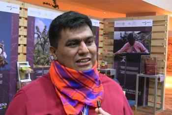 Juan Manuerl Cáceres durante la entrevista en la entrega de Premios Campeones de la Tierra del PNUMA. Imagen: Captura de video CINU México