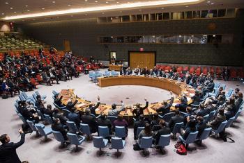 El Consejo de Seguridad aprueba por unanimidad una resolución que solicita la vigilancia y observación directa de Naciones Unidas de la evacuación de civiles en Alepo. Foto: ONU/Amanda Voisard.