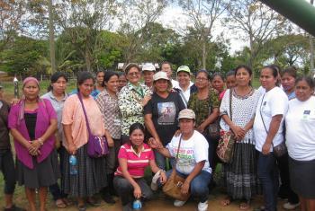 Evento Mujeres productoras emprendedoras hacia el cuidado y conservación de la Madre Tierra en el que ocurrió un intercambio entre indígenas Mayangna y otros grupos de Guatemala y Honduras. Foto: