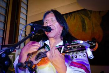"""""""Hemos conseguido con la música que la gente se sienta orgullosa de sus raíces"""", Hugo Gutiérrez. Foto: Rocío Franco/ONU."""