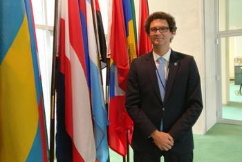 El secretario de emprendedores y PYMEs de Argentina, Mariano Mayer en la sede de Naciones Unidas en Nueva York. Foto: Jordi Trujols