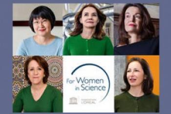 Rajaâ Cherkaoui El-Moursli (en bas à g.) et les quatre autres lauréates du Prix Fondation l'Oréal-UNESCO pour les femmes et la science 2015.