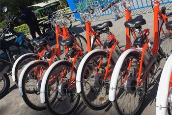 Des bicyclettes mises à disposition pour une programme de partage à Quito, en Équateur.(
