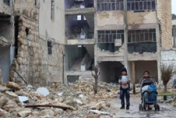 Deux enfants dans les ruines d'Alep-est (déc. 2016)