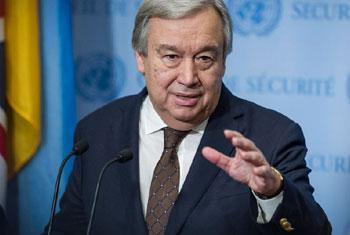 Le Secrétaire général de l'ONU, António Guterres, devant la presse. Photo ONU/Manuel Elias
