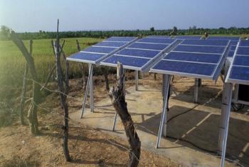Des panneaux solaires au Mali. C'est un secteur où les fabricants chinois ont progressivement augmenté leur part de marché. Photo Banque mondiale/Curt Carnemark