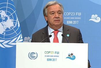 Le Secrétaire général de l'ONU, António Guterres, à la Conférence des Nations Unies sur le climat (COP 23) à Bonn, en Allemagne. (