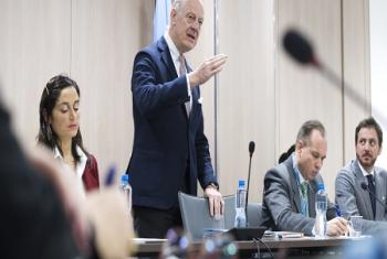L'Envoyé spécial de l'ONU pour la Syrie, M. Staffan de Mistura lors de ses entretiens avec la délégation de de l'opposition de la Commission syrienne des négociations (