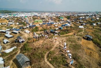 Une vue du site de Kutupalong à Cox Bazar au Bangladesh. des Camps de réfugiés fortement congestionnés qui pèsent sur les problèmes de santé ou d'assainissement (