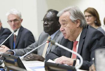 Le Secrétaire général a prononcé le vendredi 8 décembre 2017 une allocution lors de la Conférence annuelle d'annonce de contributions au Fonds central d'intervention d'urgence des Nations Unies (CERF) réunie à New York. Crédit: Photo ONU/Rick Bajornas