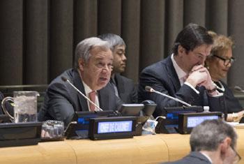 Le Secrétaire général de l'ONU, Antonio Guterres, lors d'une réunion informelle de l'Assemblée générale sur ses priorités pour 2018. Photo ONU / Eskinder Debebe