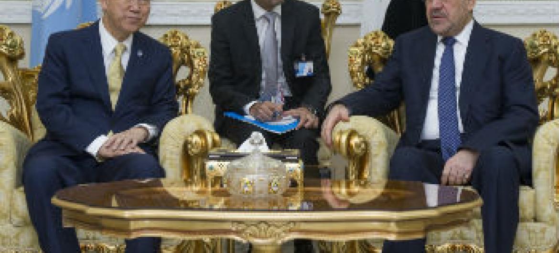 Ban Ki-moon (esq.) em encontro com o primeiro-ministro do Iraque, Nouri al-Maliki (dir.). Foto: ONU/Eskinder Debebe