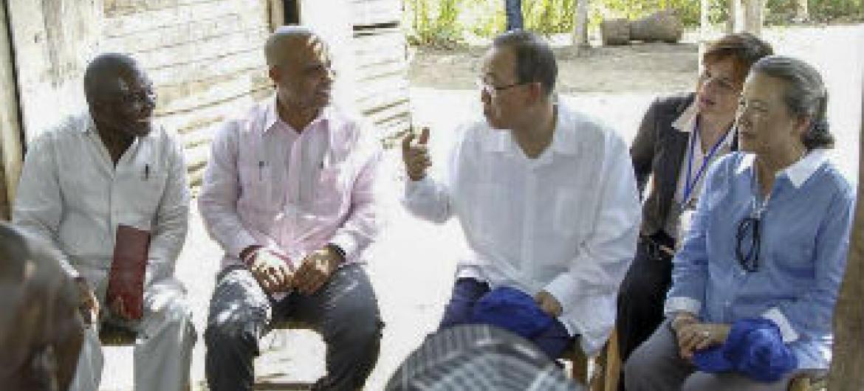 Ban Ki-moon em Los Palmas, Haiti. Foto: ONU/Paulo Filgueiras
