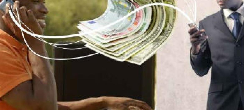Envio de dinheiro através da tecnologia móvel. Foto: UIT