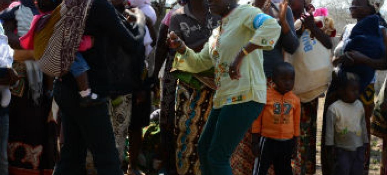 Visita da Angélique Kidjo a Maputo, Moçambique. Foto: Rádio ONU