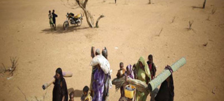 Deslocados internos no Mali. Foto: UNHCR/B. Sokol