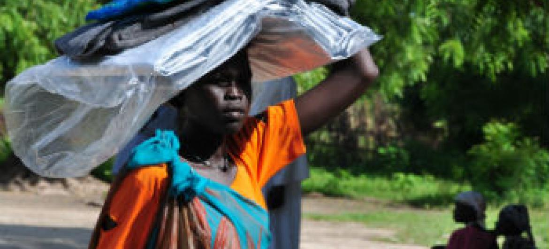 Ajuda de organizações humanitárias no Sudão do Sul. Foto: Ocha/Guillaume Schneiter