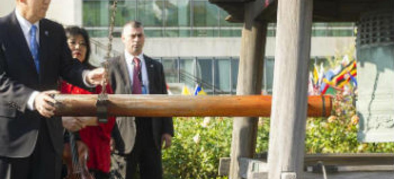 Ban Ki-moon na cerimônia do Dia Internacional da Paz. Foto: ONU/Mark Garten