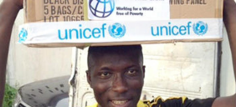 Com fundos do Banco Mundial, Unicef entrega suprimentos essenciais a moradores de Sierra Leone. Foto: Banco Mundial