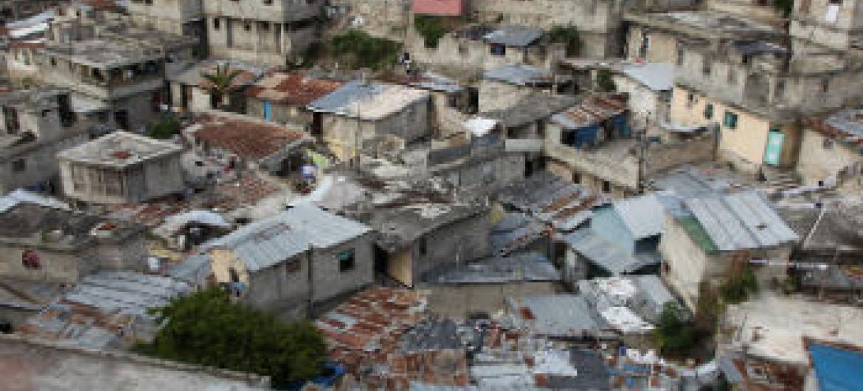 Favelas representam a manifestação física da desigualdade e da pobreza.Foto: ONU-Habitat/Julius Mwelu
