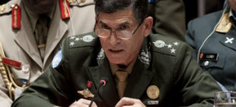 General Carlos Alberto dos Santos Cruz. Foto: ONU/Kim Haughton