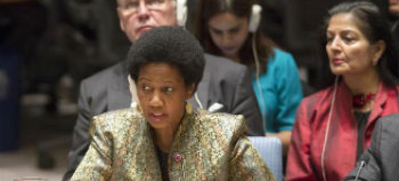 Chefe da ONU Mulheres, Phumzile Mlambo-Ngcuka, no Conselho de Segurança. Foto: ONU/Rick Bajornas