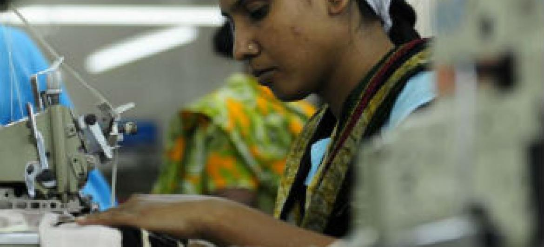 Políticas para valorizar o salário mínimo. Foto: OIT