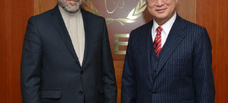 Yukiya Amano com Seyyed Abbas Araghchi na sede da Aiea. Foto: Aiea