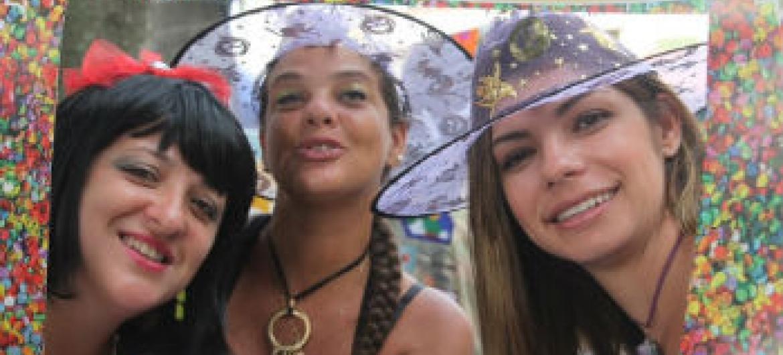 Grupo participa de ação da ONU Mulheres no Bloco das Carmelitas. Foto: Unic Rio