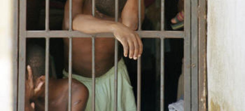 Mais de 100 pessoas ainda podem ser libertadas.