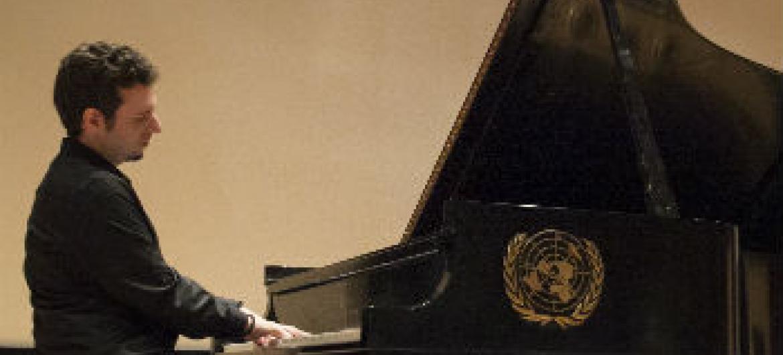 Mais de 180 países comemoram o Dia Internacional do Jazz esta quinta-feira, 30 de abril.Foto: ONU/JC McIlwaine