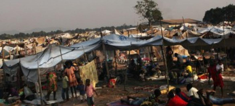 Menores desalojados em Bangui. Foto: Unicef//Pierre Terdjman.
