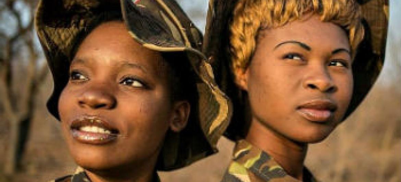 Integrantes do grupo sul-africano Black Mamba, que combate à caça ilegal e é formado, em sua maioria, por mulheres. Foto: Black Mamba Anti-Poaching Unit