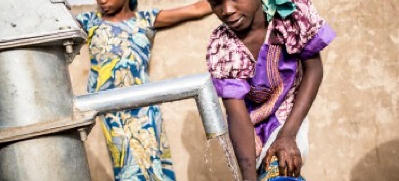 Deslocadas nigerianas. Foto: Unicef/Sylvain Cherkaoui.